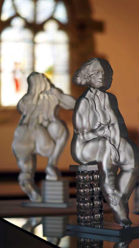 Accueil : portfolio l'humain, le nu, ensemble sculpté et gravé au jet de sable, pièces uniques