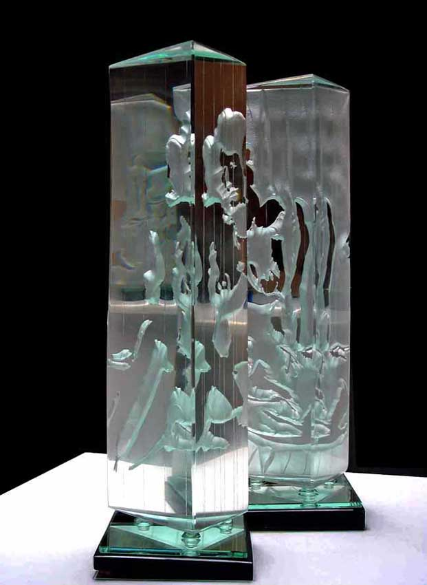 Accueil : portfolio l'humain, le nu, ensemble sculpté et gravé au jet de sable, pièce unique verre et schiste ,dyptique