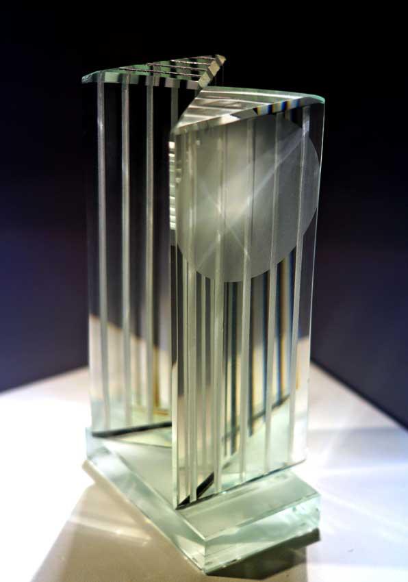 Accueil : portfolio l'absraction, abstraction assemblage verre gravé,scié,poli,dépoli,collé,laqué,pièce unique