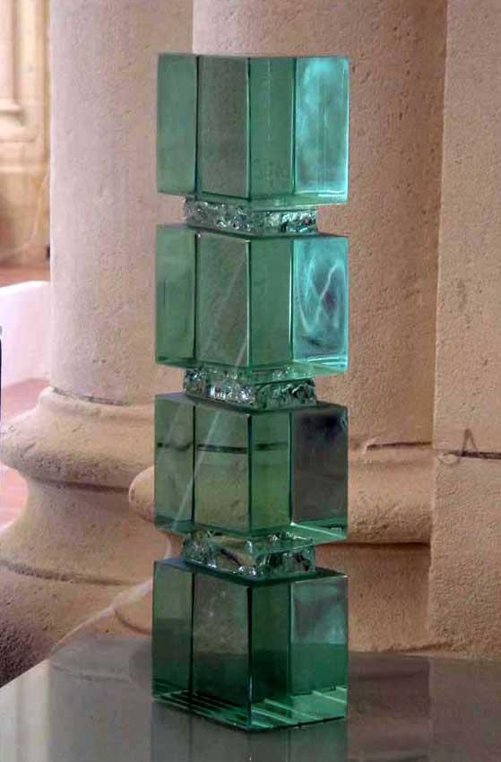 Accueil : portfolio l'absraction, abstraction assemblage verre,scié,poli,collé,éclaté au burin,pièce unique