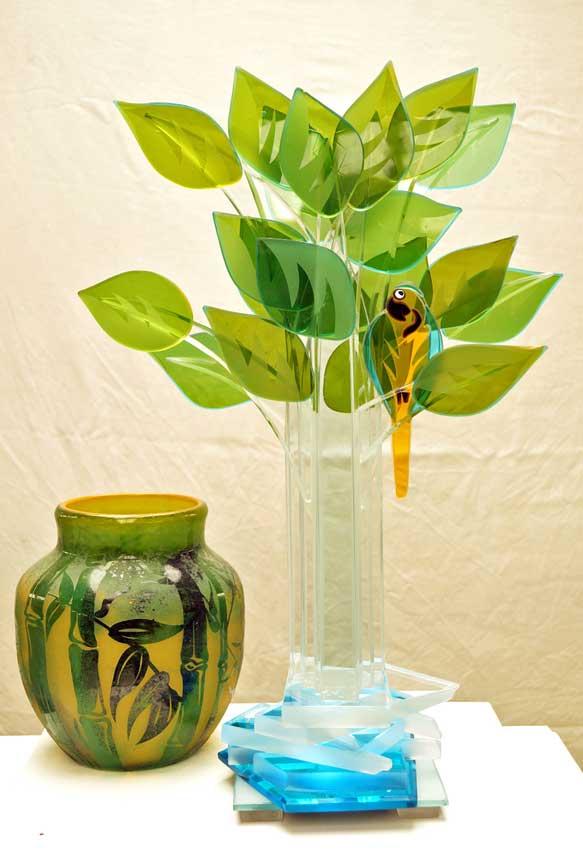 """Accueil : portfolio la nature, arborescence, ensemble sculpté et gravé au jet de sable, pièce unique assemblage verre,verre St Just ,miroir intitulée """"le changement climatique 2"""""""