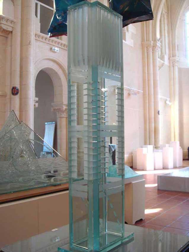 Accueil : portfolio l'absraction,architectures assemblage verre gravé scié ,grugé,collé,dépoli,pièce unique
