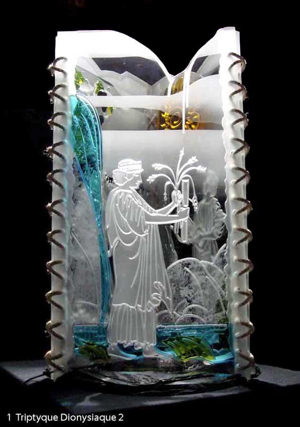 """Accueil : portfolio autre,mythologie grecque, ensemble verre découpé,percé,gravé,contre collé,verre St Just,ligatures,pièce unique intitulée """"triptyque dionysiaque-Démeter"""""""