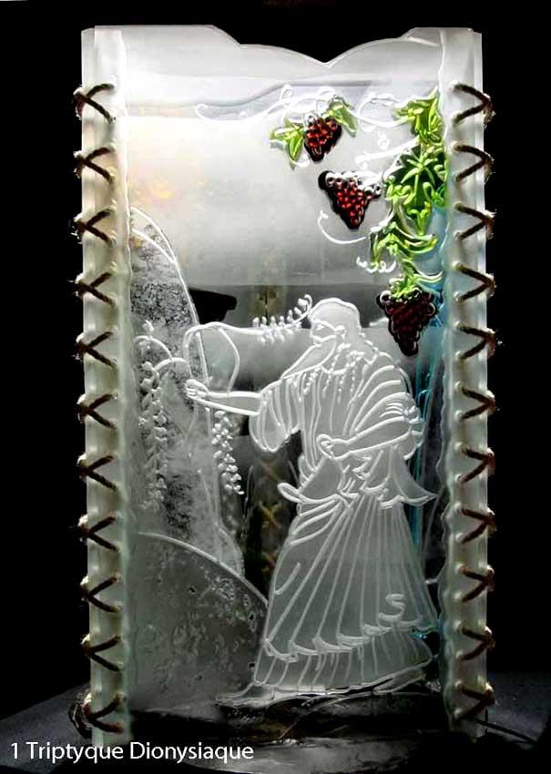 """Accueil : portfolio autre,mythologie grecque, ensemble verre découpé,percé,gravé,contre collé,verre St Just,ligatures,pièce unique intitulée """"triptyque dionysiaque-Dionysos"""""""