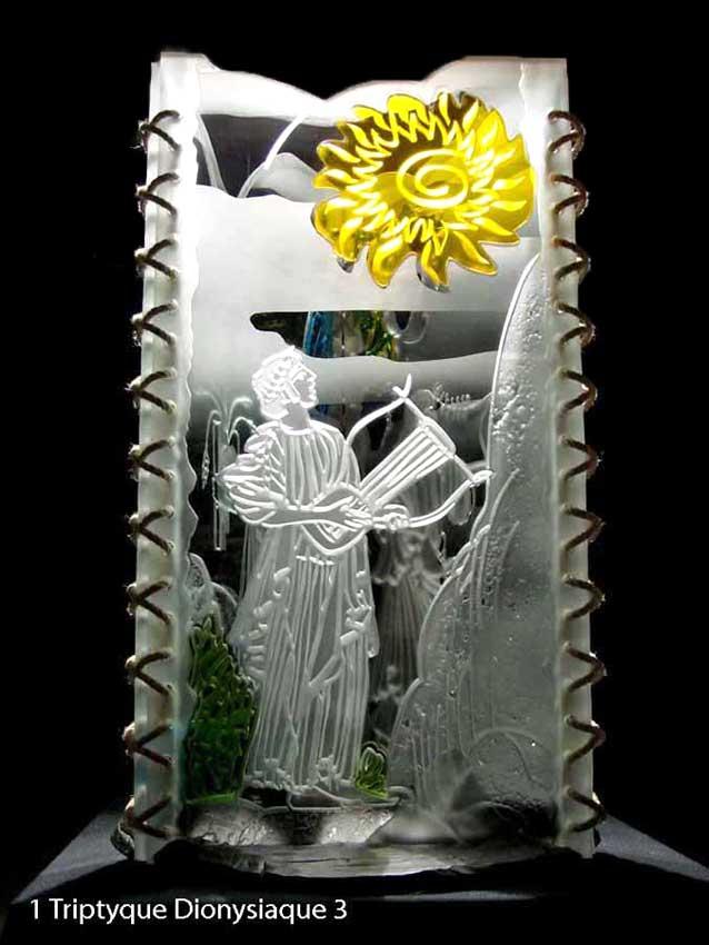 """Accueil : portfolio autre,mythologie grecque, ensemble verre découpé,percé,gravé,contre collé,verre St Just,ligatures,pièce unique intitulée """"triptyque dionysiaque-Apollon"""""""