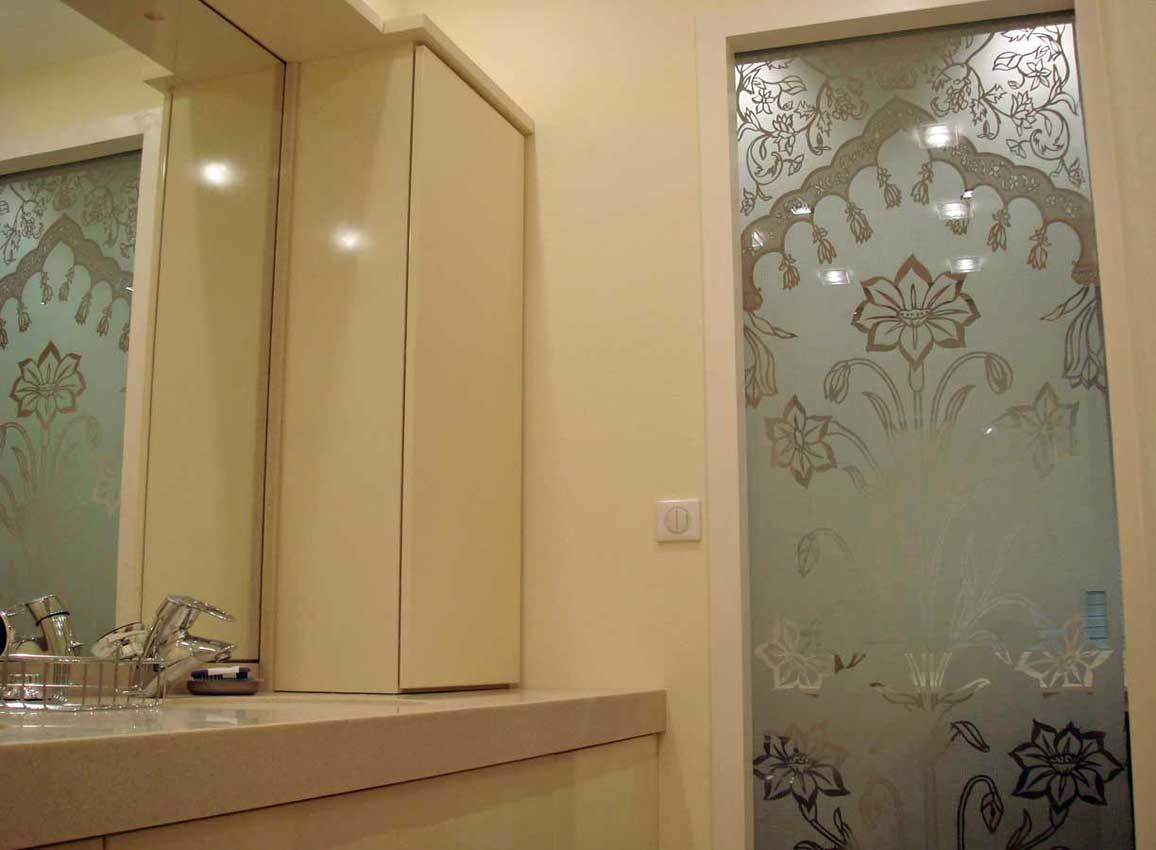 Accueil : portfolio déco,projet 6, portes coulissantes verre sécurit gravées ,inspiration Moghole , pièces uniques