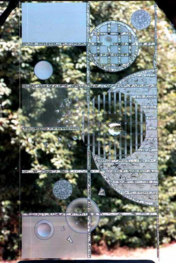 Accueil : portfolio déco,projet 1, dalles de verre 19 mm gravées,bouchardées,éclats au burin,dépolies,loupe,